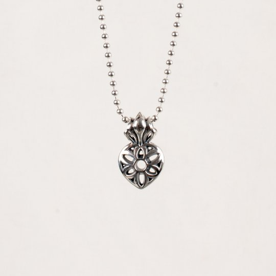 GOOD ART HLYWD Sacred Heart Rosette Pendant - Sterling Silver
