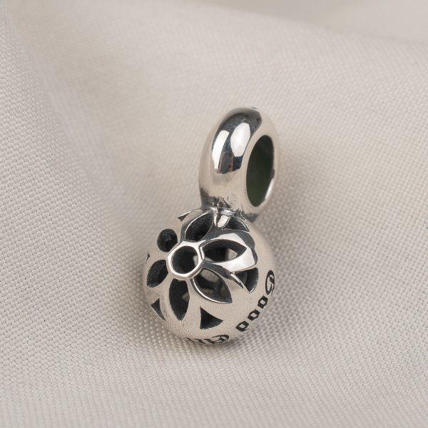 GOOD ART HLYWD Oyster Pendant Size A - Sterling Silver